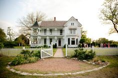 Victorian Homes may be the most perfect place for an eclectic wedding or southern formality