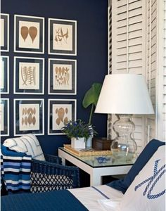 Looking for a blue paint for your home? Seriously consider bold blue paint like paddington blue, cobalt blue or the royal blue paint color. Navy White Bedrooms, Les Hamptons, Estilo Navy, Navy Blue Walls, Blue Paint Colors, Navy Paint, Navy Color, Room Colors, Blue Rooms