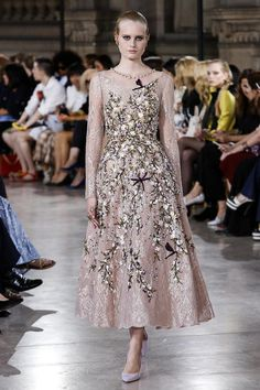 Georges Hobeika's Haute Couture Fall 2016 Collection Is a Royal