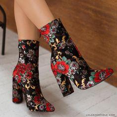 zapatos de mujer Archives - Page 7 of 196 - sablon Dream Shoes, Crazy Shoes, Estilo Fashion, Ideias Fashion, Cute Shoes, Me Too Shoes, Fashion Shoes, Fashion Outfits, Color Fashion