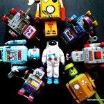 Robots de la Tabla Redonda con Astronauta