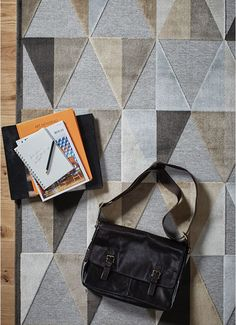 DescriptionGive your floor a contemporary style statement that'll hold its own in elegant uptown living with the faceted design of these rugs.