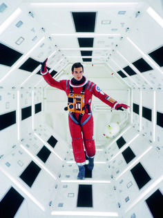 "10 Stunning Behind-The-Scenes Photos From ""2001: A Space Odyssey"""