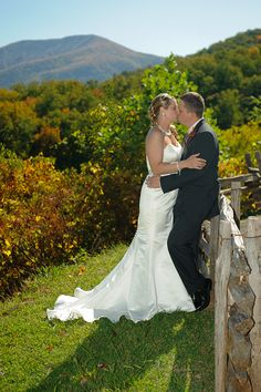 Wedding couple in the Smoky Mountains near Gatlinburg, TN