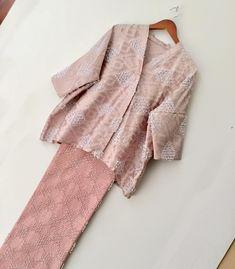 43 Ideas fashion girl simple dress patterns for 2019 Kebaya Muslim, Kebaya Modern Hijab, Kebaya Hijab, Kebaya Brokat, Kebaya Lace, Batik Kebaya, Kebaya Dress, Batik Dress, Dress Lace