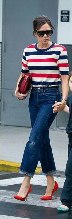 David E Victoria Beckham, Victoria Beckham Outfits, Victoria Beckham Style, Casual Day Outfits, Fashion Pants, Fashion Outfits, Victoria Fashion, Dress Up Jeans, Celebrity Style Inspiration