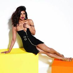 Indian Bollywood Actress, Bollywood Girls, Beautiful Bollywood Actress, Most Beautiful Indian Actress, Indian Actresses, Bollywood Theme, Priyanka Chopra Hot, Girl Photo Poses, Indian Celebrities