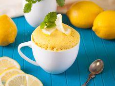 pastel de limon con leche condensada en microondas Cake Mug, Mug Cake Microwave, Keto Cake, Easy Bread, Chocolate Lovers, Chocolate Cakes, Delicious Chocolate, Food And Drink, Lemon