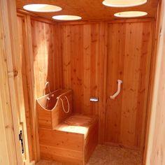 Des toilettes sèches pour personnes à mobilité réduite. http://gaindeplace.fr/2014/02/03/nouvelle-gamme-de-produits-toilettes-seches/