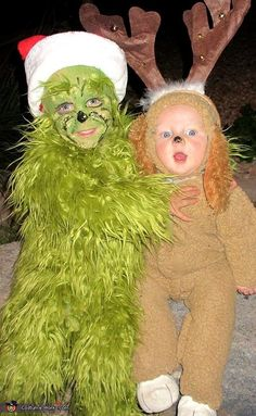 Pin for Later: Win Halloween With These 41 Sibling Costume Ideas The Grinch and Max Baby Grinch Costume, Brother Halloween Costumes, Grinch Halloween, Grinch Costumes, Office Halloween Costumes, Matching Halloween Costumes, Twin Costumes, Twin Halloween, Halloween Costumes Kids Boys