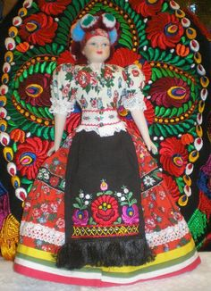 Matyó doll, Hungary Hungary Travel, Mexico Culture, Hungarian Embroidery, Ancient Symbols, Barbie Collector, My Heritage, Folk Art, Girl Scouts, Budapest