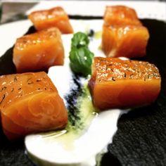 Salmone marinato lime e aneto con crema acidula