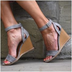 **** Stitch Fix 2017 Summer inspiration! Love these grey wedge sandals. Wedges and espadrilles are all the rage this summer - Get styles just like these from Stitch Fix today! Simply click the picture to get started, fill out your style profile and request items just like these. Who doesn't want their own personal stylist to take the work out of shopping? It's like Christmas every month! Try it today!! #sponsored #StitchFix