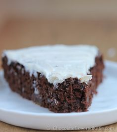 Secretly Healthy Chocolate Cake... with NO butter or oil in the entire recipe, and just 75 calories per serving! http://chocolatecoveredkatie.com/2014/10/14/avocado-chocolate-cake/