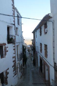 Calle de la parte baja de Vilafamés.
