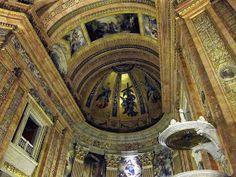 La Real Basílica de San Francisco el Grande, es como popularmente llaman los madrileños a este templo, pero muchos no saben que su verdade...