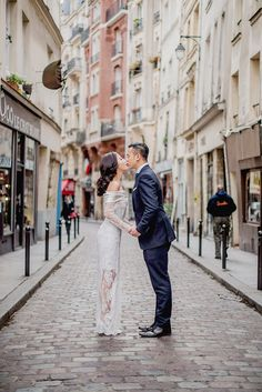 Exploring the streets of Paris together... // A Spontaneous Pre-Wedding in Paris: Torin and Jezy