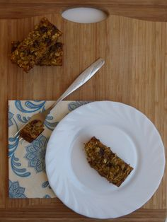 Quinoa, oats and chocolate chip bars