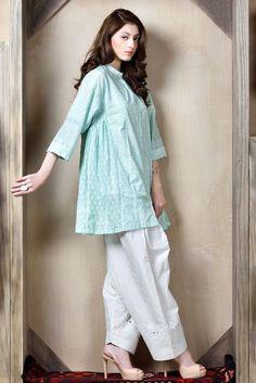 Simple Pakistani Dresses, Pakistani Fashion Casual, Pakistani Dress Design, Pakistani Outfits, Stylish Dresses For Girls, Stylish Dress Designs, Sexy Dresses, Casual Dresses, Casual Wear
