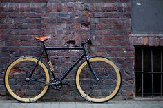 bamboo/carbon fiber fixed gear