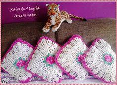 Raios de Alegria Artesanatos: Crochetando.....