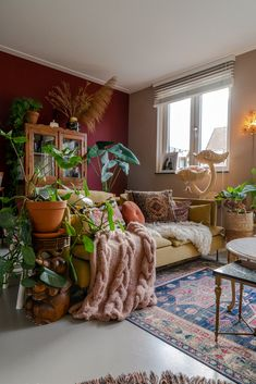 Sage Living Room, Boho Living Room, Living Room Paint, Home And Living, Living Room Decor, Bohemian Living, Living Room Bedroom, Retro Living Rooms, Cozy Living Rooms