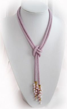 Idea for wearing rope necklace