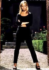 Classic Buffy!! #Buffy #BuffyTheVampireSlayer #90sFashion #Fashion #Style #SarahMichelleGellar
