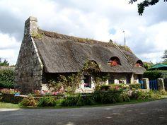 Thatched roof - Pointe de Trevignon, Bretagne