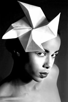 Origami headpiece, Origami blues Collection, designed by Vasso Consola Photography: Vana Cotsia Model: Astan Meyer. Make up: Fenia Origami Hat, Origami Shapes, Fabric Origami, Paper Fashion, Origami Fashion, Fashion Fashion, Recycled Costumes, Boho Headpiece, Crazy Hats