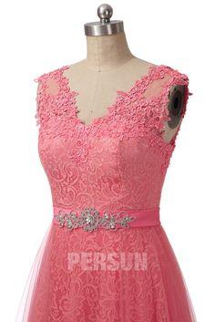 Où acheter une robe dentelle corail habillée pour le mariage ? Visitez le site pour voir cette romantique robe de cérémonie corail. #corail #vintage #robedesoiréemariage Formal Dresses, Chic, Vintage, Fashion, Vestidos, Coral Lace, Green Lace, Coral Pink, Gowns