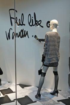 I Love Being a Girl (Diane Von Furstenberg window display, New York) Fashion Window Display, Window Display Retail, Window Display Design, Retail Windows, Store Windows, Visual Merchandising Displays, Visual Display, Retail Store Design, Retail Stores