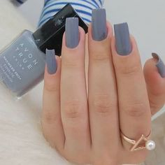 In search for some nail designs and ideas for your nails? Listed here is our set of must-try coffin acrylic nails for trendy women. Cute Acrylic Nails, Glitter Nails, Cute Nails, Stylish Nails, Trendy Nails, Nail Paint Shades, Gray Nails, Pretty Nail Designs, Minimalist Nails