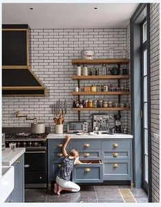 There is no doubt you will see the use of subway tile if you glance through any design or shelter magazine these days. Subway tiles date back to the early 1900's where it was used on the walls in the subway system in New York.