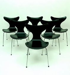 Seagull Chair 6x model 3108 black lacquered moulded plywood seat connected to chromed bent tubular steel base with rubber cap feet design Arne Jacobsen 1969-'70 executed by Fritz Hansen / Denmark 1973