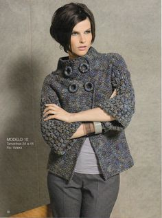 Olá amigas, que saudade! Achei muito elegante este casaco da revista MALHAS STYLE nº 2. Que venha o frio...
