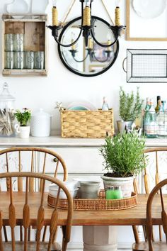 Simple ways to update your home for summer. No fuss, relaxed summer style | MyFabulessLife.com