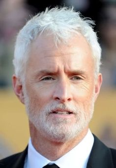 John Slattery, Actor and Handsome Gray Haired Man. Older Men Haircuts, Haircuts For Balding Men, Silver Foxes Men, John Slattery, Messy Haircut, Grey Beards, Look Man, Men With Grey Hair, Bald Men