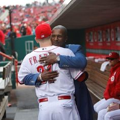 Todd Frazier and Eric Davis showing some mutual love for one another.