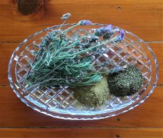 chicken-dust-bath-herbs Lavender, Sage and Mint Bath Recipes, Herbs, Chicken, Egg, Bath Ideas, Lavender, Mint, Decor, Eggs