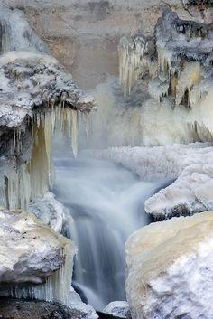 Winter Scenes - My P Amazing World Winter Szenen, Winter Magic, Winter Blue, All Nature, Amazing Nature, Beautiful Waterfalls, Beautiful Landscapes, Snow Scenes, Winter Beauty