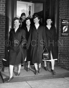 Visiting nurses leave their offices at the Starr Centre Association of Philadelphia to begin their rounds, c. 1958. Image courtesy of the Barbara Bates Center for the Study of the History of Nursing.