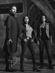 Sleepy Hollow - Season 3 - The Trinity (in b&w) - Ichabod, Abbie, Jenny