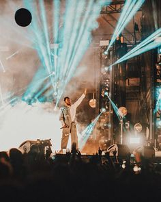 Kendrick Lamar closing out Voodoo Fest last night