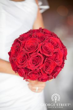 classic red rose bouquet | www.georgestreetphoto.com