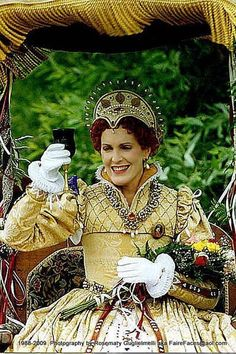 Athene as Queen Elizabeth - mid 1990's - Devore, CA - RPFS