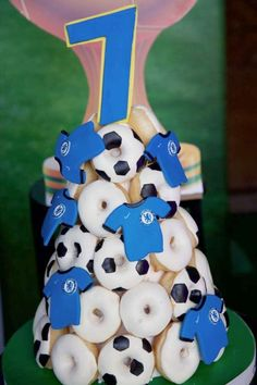 Check out this fun soccer themed birthday party! The donuts are so cool! See more party ideas and share yours at CatchMyParty.com #catchmyparty #partyideas #soccer #soccerparty #football #boybirthdayparty #donuts Soccer Birthday Parties, Soccer Party, Birthday Party Themes, Donut Party, Donuts, Food Ideas, Party Ideas, Football, Cake