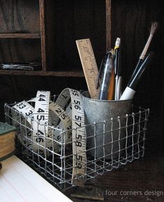 Baskets from hardware cloth  four corners design: Wonderfully wired