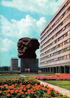 DDR. Karl-Marx Denkmal. Former GDR, Chemnitz, ie former Karl Marx Stadt. Monument à Karl Marx dans l'ancienne Karl Marx Stadt, aujourd'hui Chemnitz. Monumento a Carlos Marx, Karl Marx Stadt, ahora Chemnitz, anterior RDA. | by Only Tradition