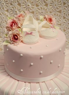 Baptism Cake (without the shoes... and better flowers).